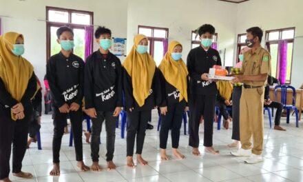 Pj Kades Kelinjau Ilir Kukuhkan Enam Kader Posyandu Remaja