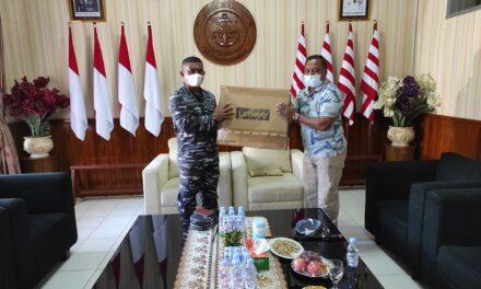 Support Program TNI-AL Kampung Bahari Nusantara, Diskominfo Perstik Kutim Serahkan Bantuan