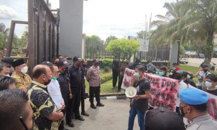 Borneo Kaltim Sambangi DPRD Pertanyakan Proses Pergantian Ketua DPRD Kaltim