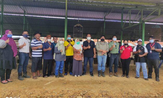 Target Swasembada Ternak, Kadistanak Kutim Kunjungi Komunitas Peternak Madiri Sangata